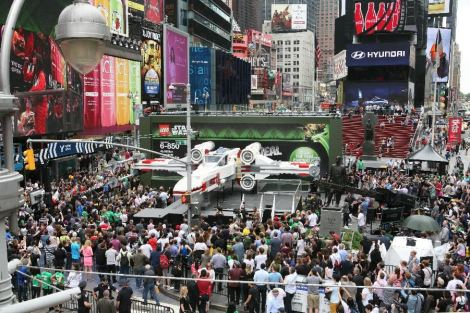 A 1:1 replica of the LEGO® Star Wars™ X-wing Starfighter in Times Square, NYC (May 23, 2013) Photo by Amy Sussman/AP.